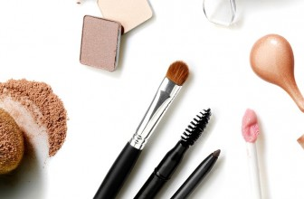 A few words about make-up accessories.