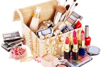 D.I.Y. Make-up box.